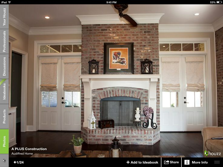 Bricked Fireplace   Crown Molding And Mantle
