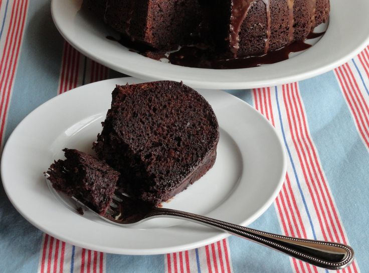 Refrigerator Chocolate Fudge Frosting Cake: Chocolate Cakes, Bundt Pans