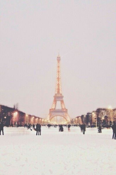 Bild über We Heart It https://weheartit.com/entry/148287566 #amazing #awesome #beautiful #cities #Dream #france #game #happiness #paris #snow #white #winter