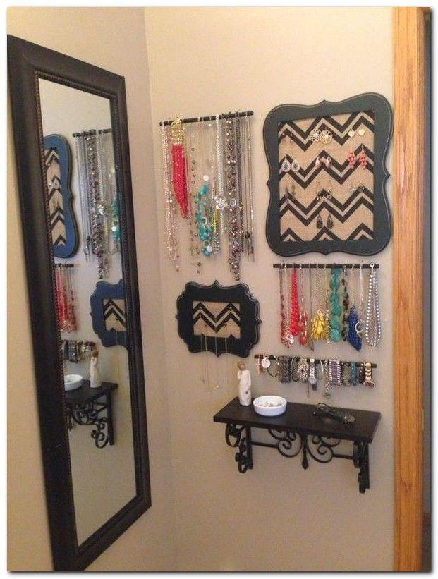 Best 25  Small bedroom organization ideas on Pinterest   Organization for small  bedroom  Decorating small bedrooms and Small bedroom storage. Best 25  Small bedroom organization ideas on Pinterest