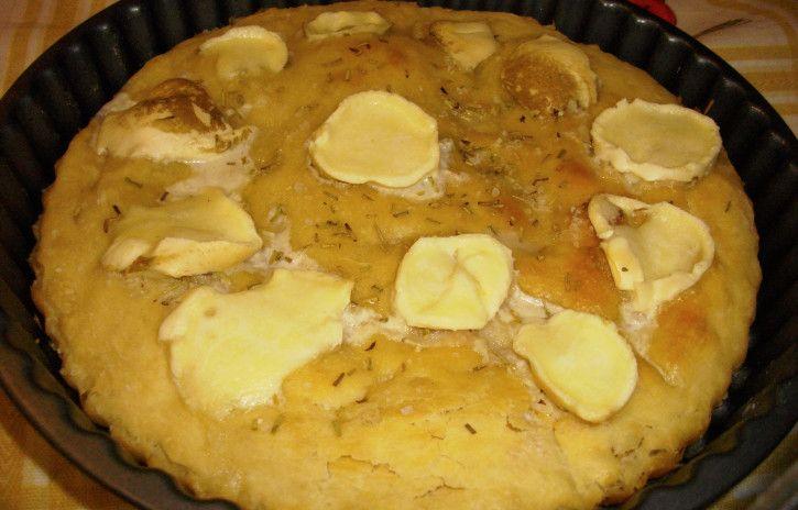 Focaccia provola e rosmarino - www.cucinandomania.it