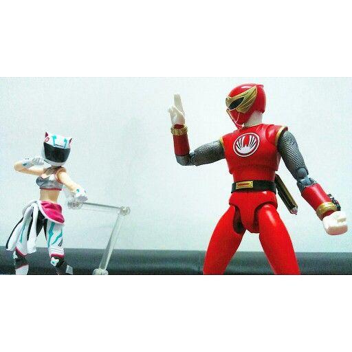 Hurricane Red Ranger and Hatsune Miku Racing 2013: EV Mirai ver. #shfiguarts #figma #toys #figures