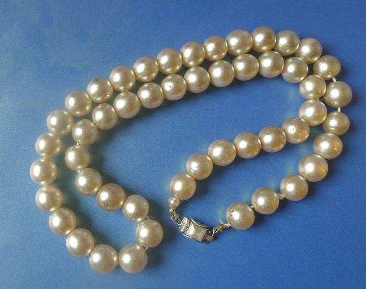 Vintage Retro Jewelry Fashion Bijoux BIG BEADS Necklace Like Pearl plastic