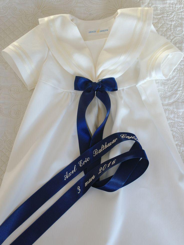 Vacker dopklänningi sjömansstil med dopbroderi från Grace of Sweden Christening gown