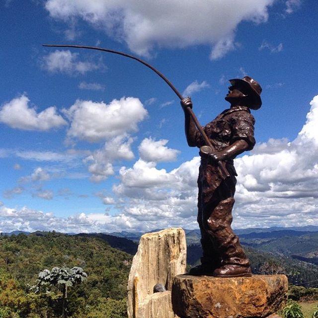 Escultura  #art #colombia, artista Cristobal Gaviria