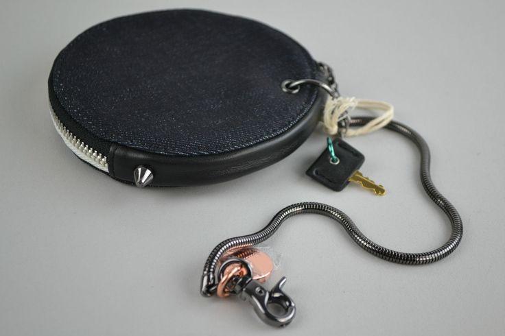 Diesel Chubby Ladies Purse Wallet Wallet Black Round Pendant