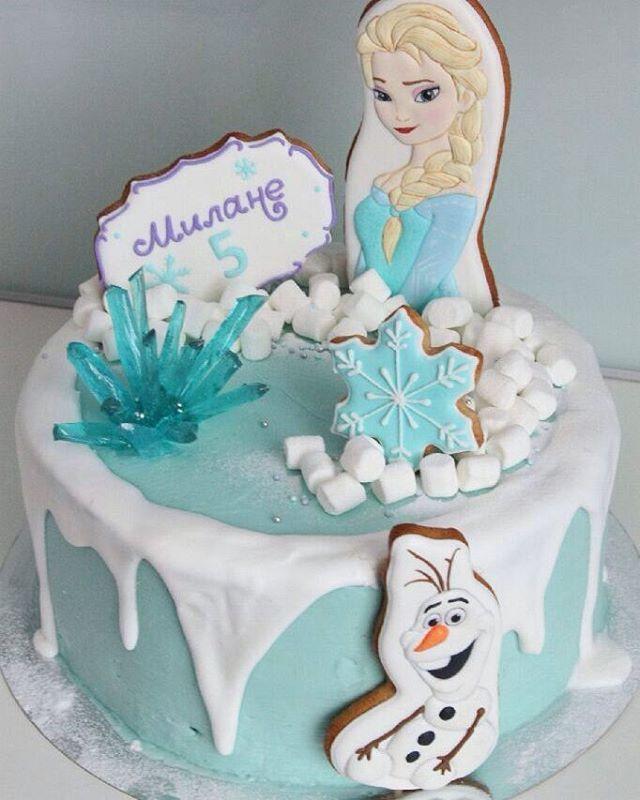 Ещё один тортик с моей Эльзой  от @Irina_goryacheva_baker #имбирноепеченье #имбирныепряники  #пряникиручнойработы #пряниквмоскве #cookiedecorating #имбирныйпряник #пряник #сладкийподарок #cookie #cookiedecorating #cookiesicing #icing #decoratedcookies #royalicing #cookieart #cookie #cookies #get_biscuit #пряникикоролев #королёв  #frozen #холодноесердце #Эльза #топпер #олаф #снеговик
