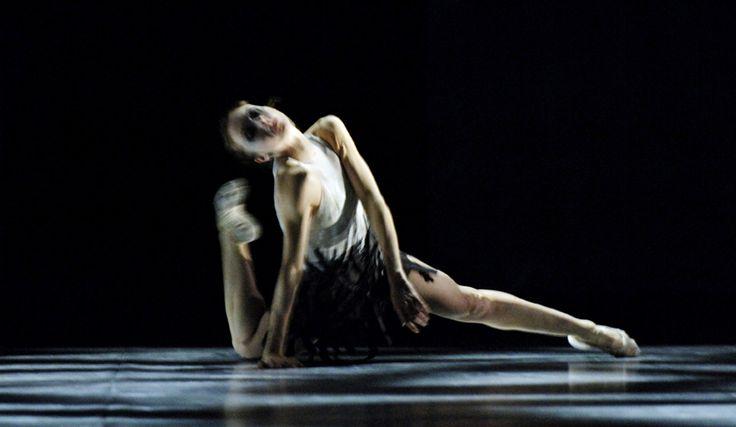 Marie-Pierre Greve in Jorma Uotinen's Sacre du Printemps. The Royal Danish Ballet.
