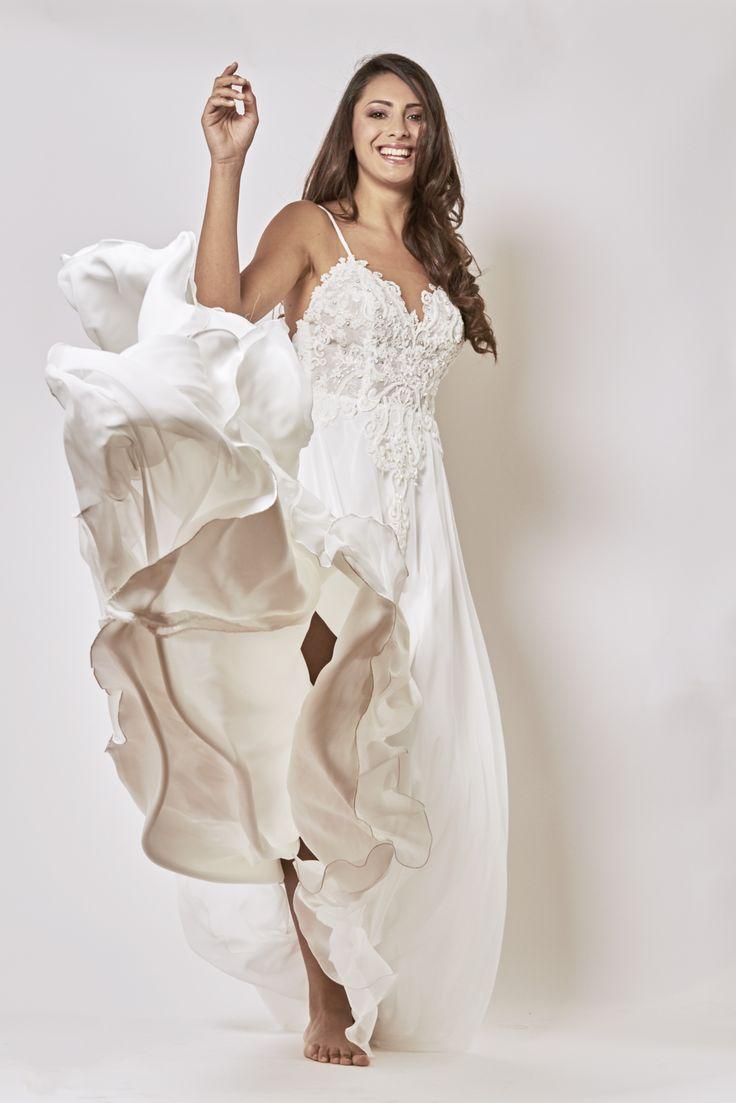 Oltre 25 fantastiche idee su abiti da sposa da sirena su for Stile minimal vestiti