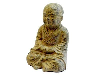 Fairtrade Boeddha Shaolin meditasi, handgemaakt van aardewerk. Voor €25,95.