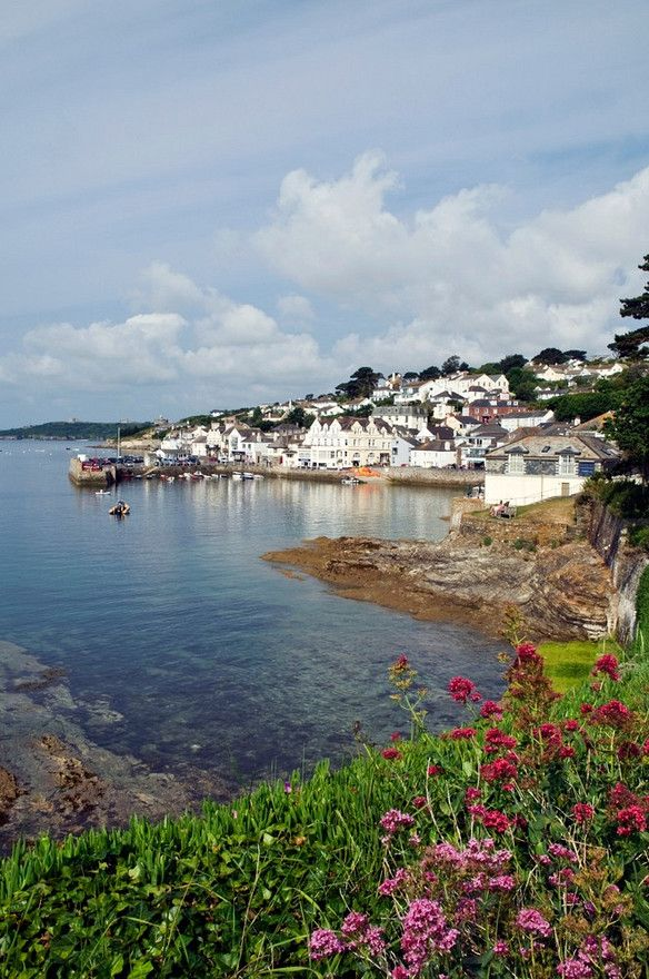 Beautiful St Mawes on the Roseland well worth a day trip across on the ferry. Fav walk St Antony's Head