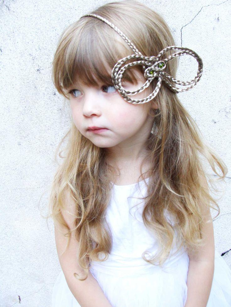 couronne en cheveux pour enfant princesse BUTTERFLY MISS marque oedansloe
