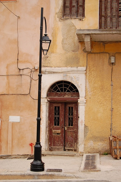 Streetlight and Doorway, Hania