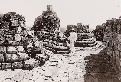 borobudur temple during English occupation of Java