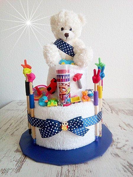 Handtuch Torte für kleine Jungen mit Kuschelbär von BabyShoeandmore
