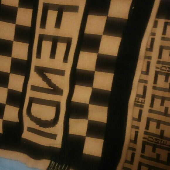 Fendi scarf Brown and black Fendi scarf FENDI Accessories Scarves & Wraps