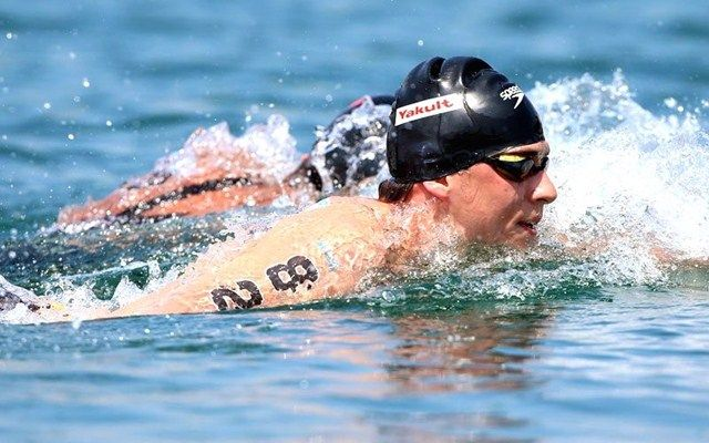 Jack Burnell swimming in a race