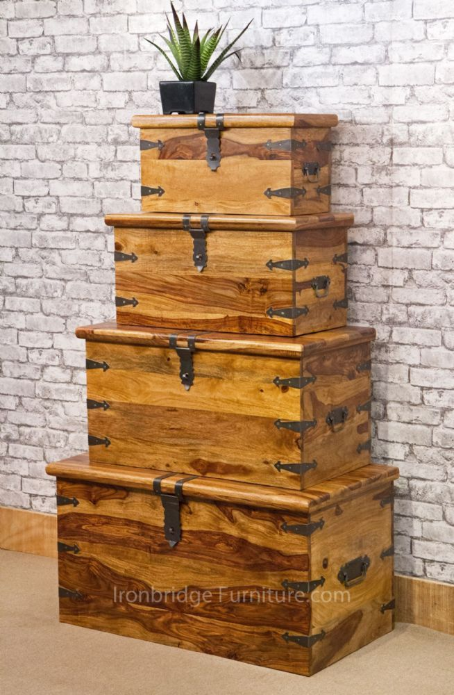 For wooden trunk lovers this set