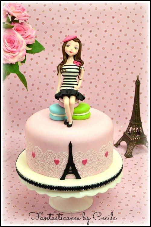 Una romanticissima petite parisienne... Occorrente: un vassoio di 24 cm una torta di 20 cm alta circa 8-10 cm pasta di zucchero: rosa confetto (600 g), fucsia (70 g), bianca (400 g), nera (30 g) verde (50 g) , marrone (40 g) gumpaste color pelle (150 g) Coloranti alimentari in gel per colorare...