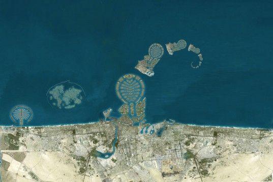Satellite photos reveal that Dubai is creating a series of Dubai-shaped islands off the coast of Dubai