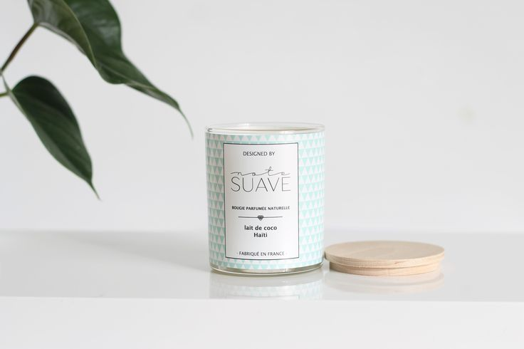 Bougie en cire de soja artisanale eco-friendly. #ecofriendly #gogreen #vegan #bougiebio #soycandle #minimaliste