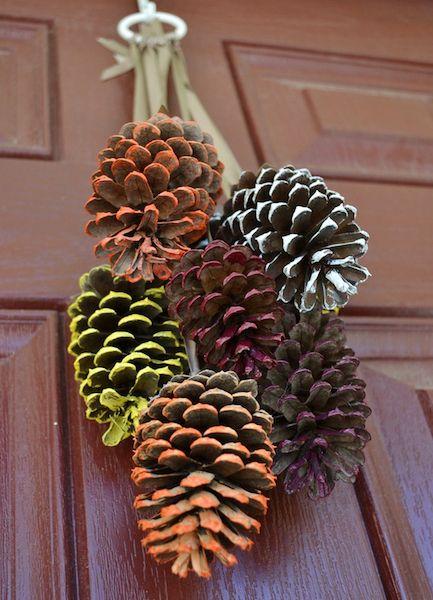10 festive fall door decorations that aren t wreaths for Pine cone door decoration