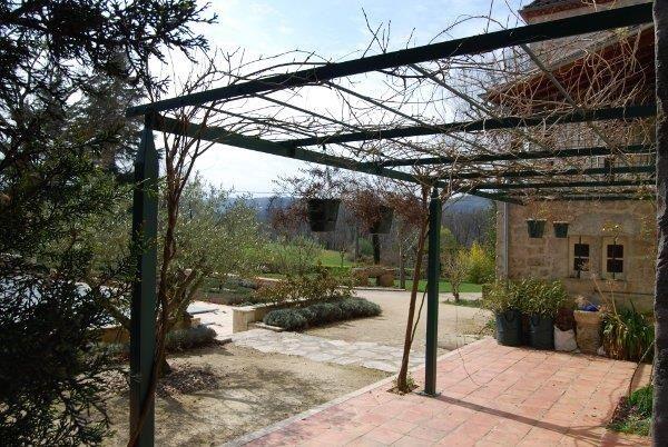 Jardin Classique, Style Maison Tonnelles En Fer Forge Jardin ...