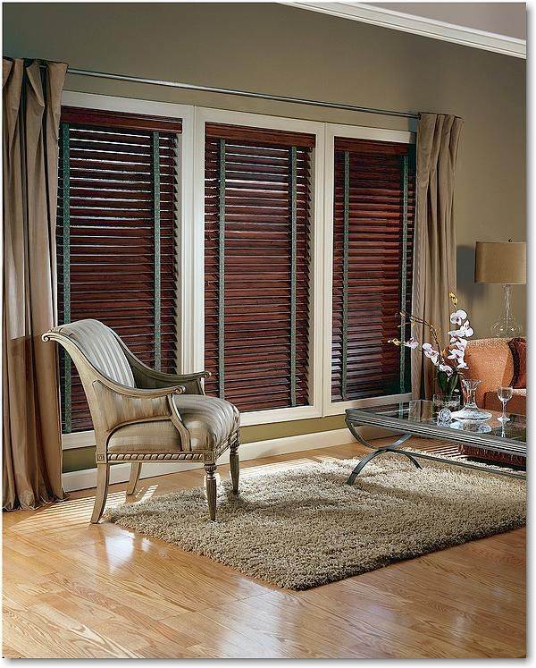 Real wood blinds with decorative tapes a long the sides to really compliment the room. With the Parkland wood blinds we offer a range of stains so that you can find just the right style and look for your home!  -Hunter Douglas Greenville, SC