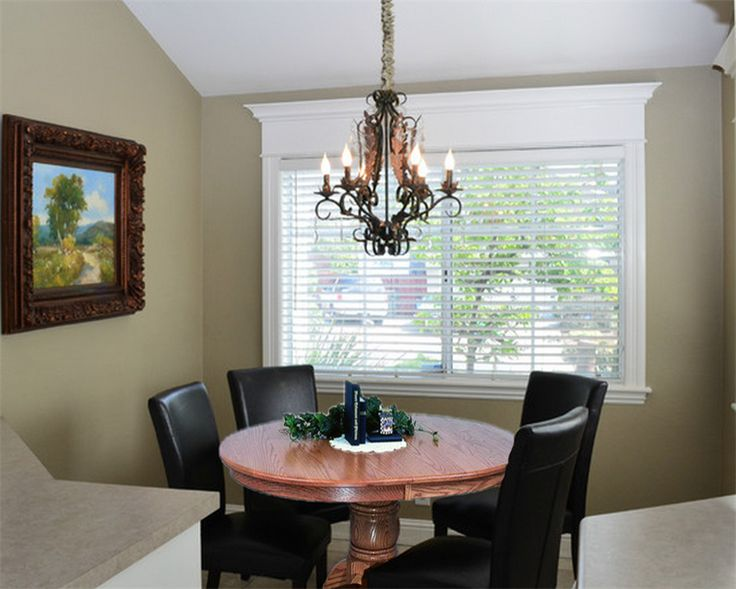 Amish Oval Single Pedestal Dining Room Table