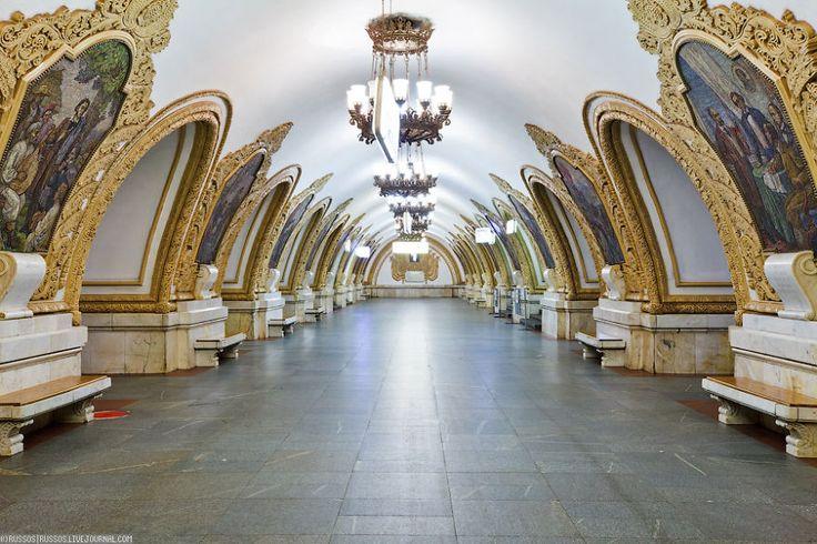 Plus beau métro Russie                                                                                                                                                                                 Plus
