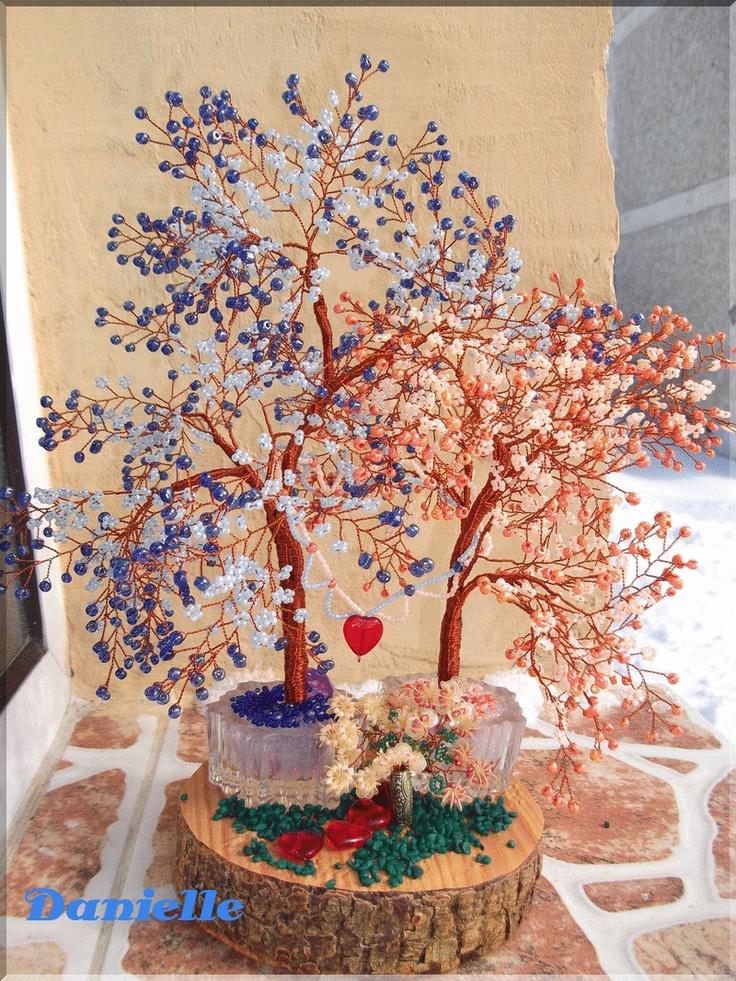 Copacel in doua culori, simbolizeaza armonia in cuplu, dragoste, iubire si belsug