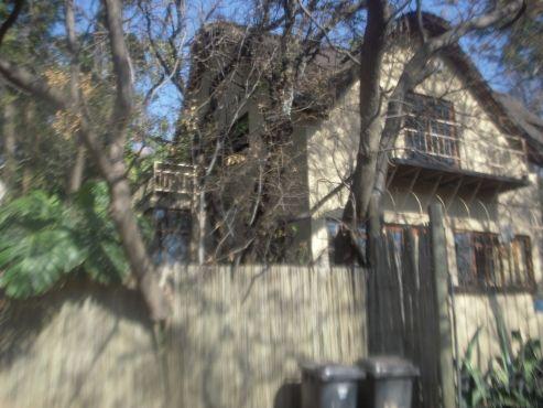 Garden Cottage Under Thatch | Pretoria East | Garden Flat | 67365932 | Junk Mail Classifieds