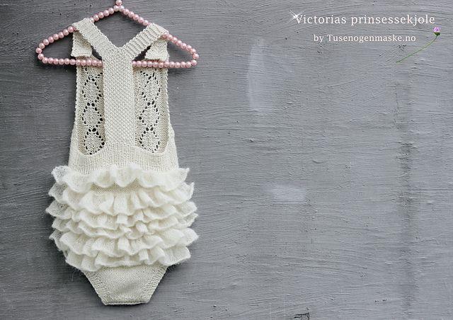 Dagens kjøpeoppskrift: Victorias prinsessekjole | Strikkeoppskrift.com