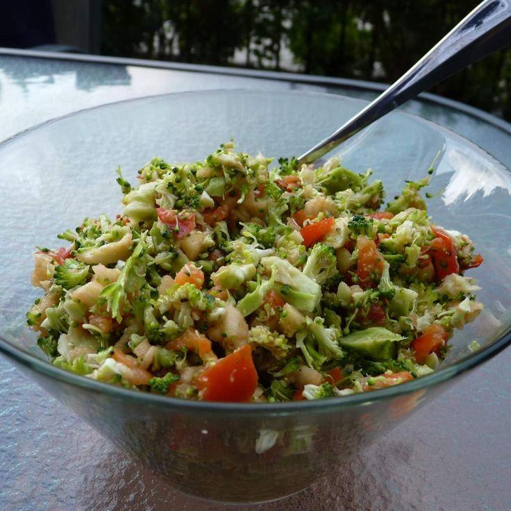 Broccoli & capsicum salad