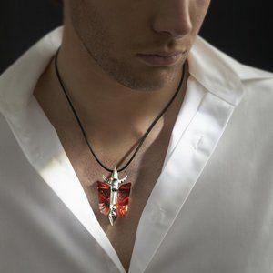 Mats Jonasson Mefisto - Limited Edition. Silversmycken i den limiterade upplagan är i samma designlinje som iron and crystal, vilket är Mats Jonasson berömda limiterade järn och kristallskulpturer.