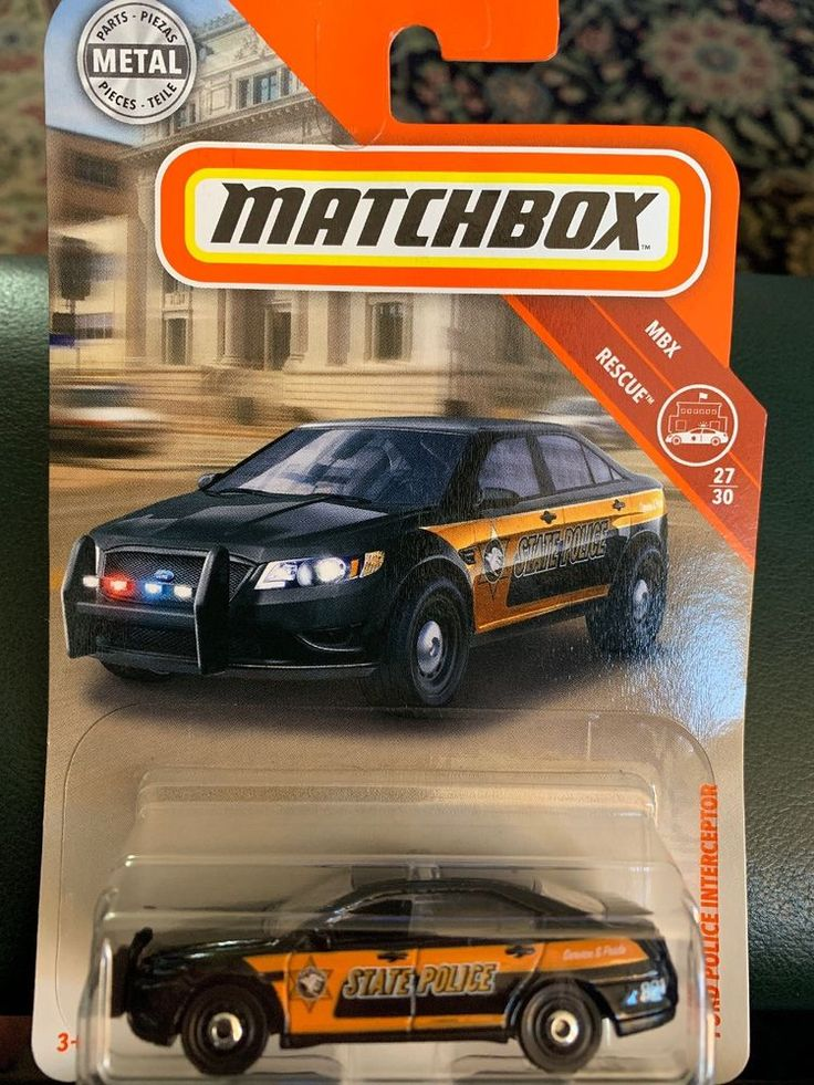 2018 Matchbox 84 Ford Police Interceptor Black Sedan