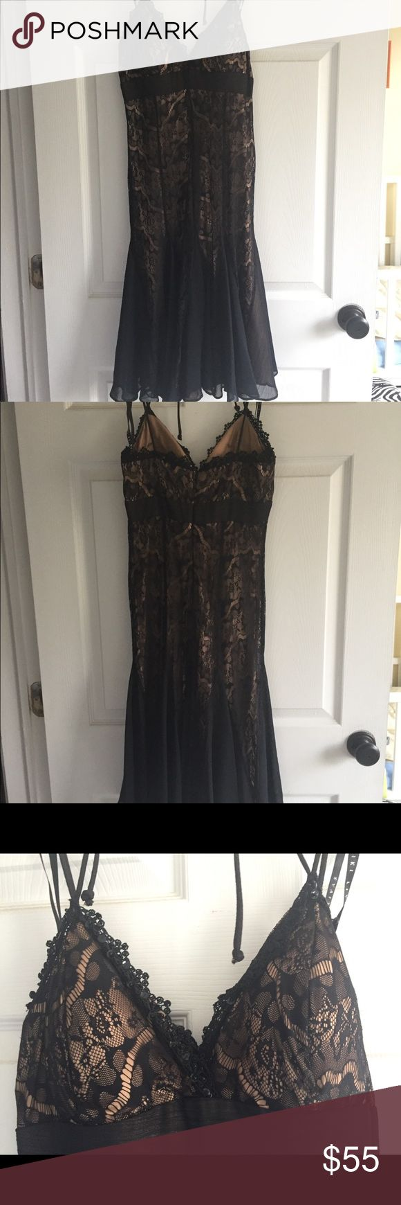 Dress size 2 Spaghetti stripe, lace, black on nude, cocktail dress warned only one time. Niki Lavis Dresses Midi