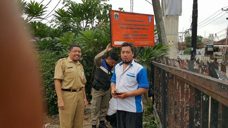 Penyegelan Bangunan karena belum melunasi PBB-P2 oleh UPPD Pesanggarahan