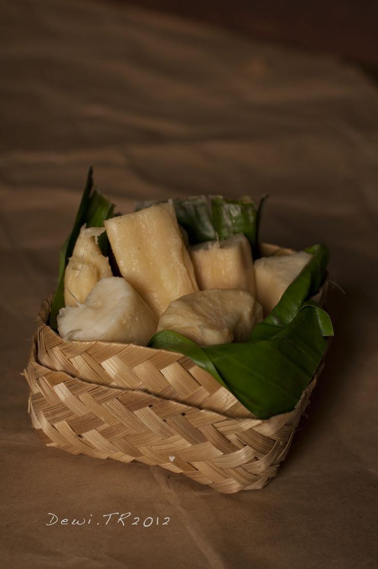 """""""Tape Singkong"""", Sweet Fermented Cassava"""