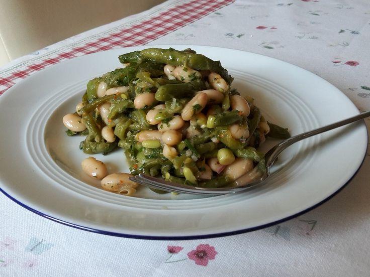 Salat aus Prinzessbohnen und weißen Bohnen, ein sehr schönes Rezept aus der Kategorie Vegetarisch. Bewertungen: 1. Durchschnitt: Ø 3,3.