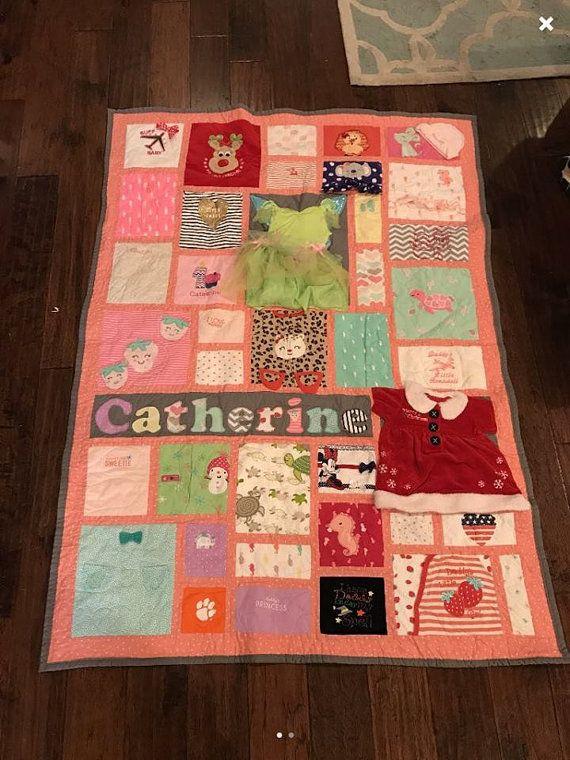 Baby Kleidung Quilt / Memory Quilt / erstes Jahr Kleidung Quilt / Andenken Quilt / Baby Kleidung Memory Quilt (zufällige Blöcke) – Quilting