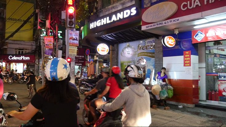 Nguyễn Hữu Cầu - Hai Bà Trưng Ride at Night - Saigon