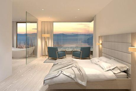 Le ampie superfici vetrate garantiscono la luminosità e la profondità degli spazi (foto Glam)
