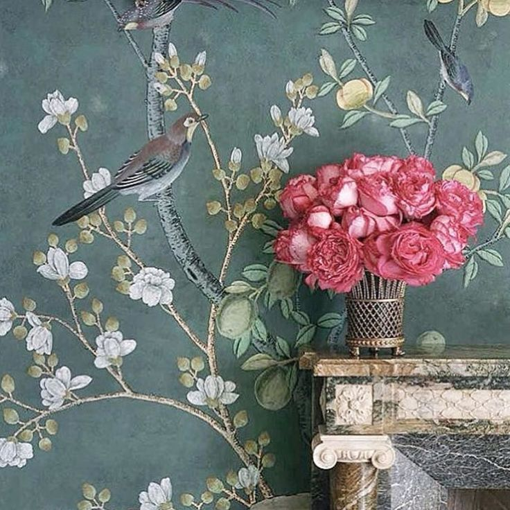 Sunday inspiration from one of my favorite de Gournay. Loving the contrast colour of the fushia bouquet . . #sunday #inspiration #degournay #wallpaper #chinoiserie #truffypiworld #colour #fushia #flowers #interior #archdigest #instagood