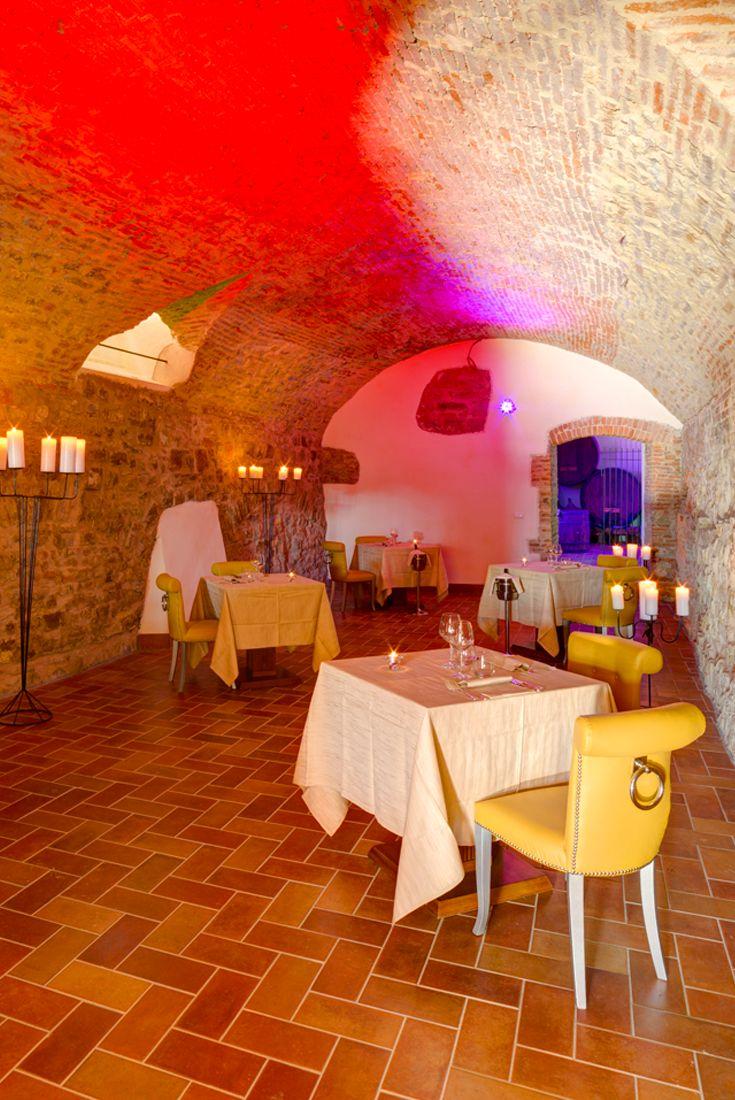 Il Conventino a Marignolle - Sala caratteristica nel #frantoio ideale per una #cenaromantica o ricevimenti e #feste d'inverno.  #ristorante #toscana