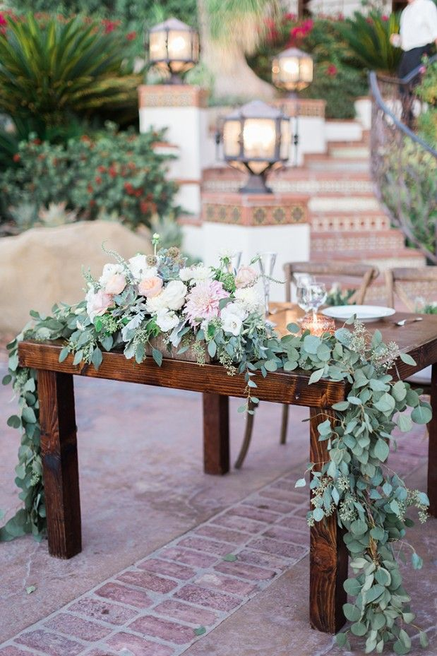 possible sweetheart table - white flowers