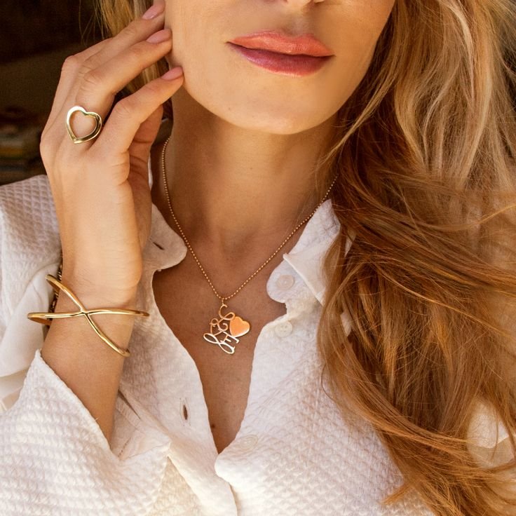 Discover the perfect gifts for Christmas by Lilou. Offer unique jewels to your loved ones – check out our engraved jewelry ideas for Her and for Him.  #lilou #jewels #christmas #gifts #perfect #unique