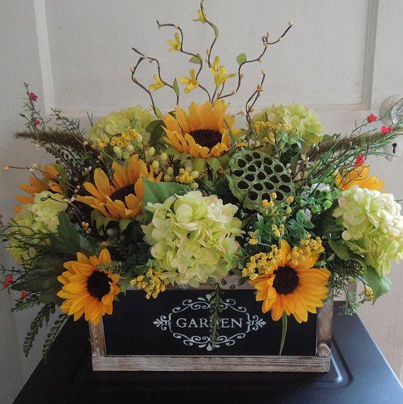 Arreglo Floral Caja Girasol Y Jardín De Hortensias Floral