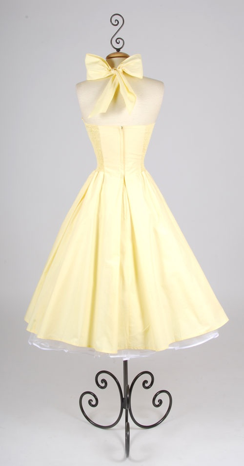 Cute I Would Even Like It In This Color Don T Normally Such Pale Yellow Dresses And Pinterest Vintage Style