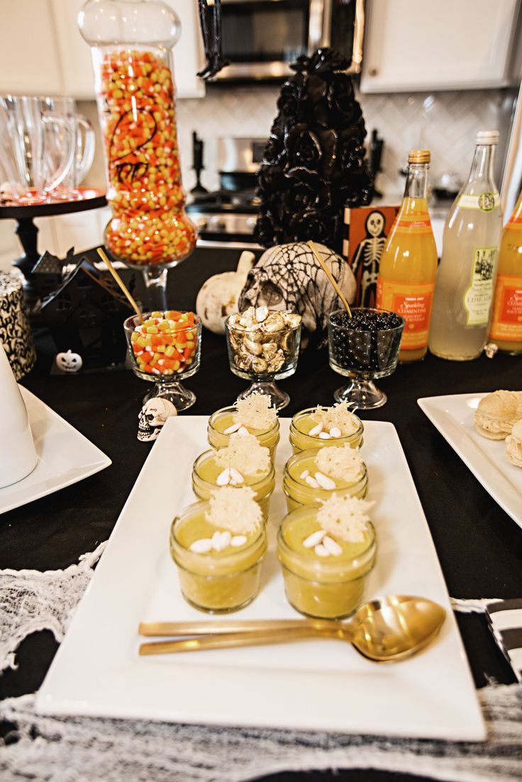 Classy Halloween Decorations Ideas For Elegant Black And